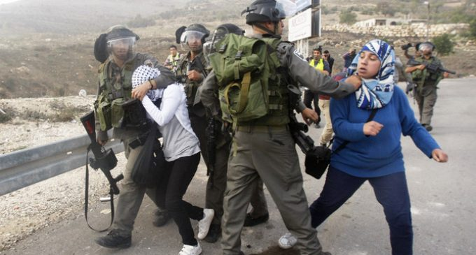 Israeli settlers, police clash during outpost eviction
